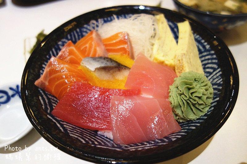 員林樽澤日式料理|員林日式定食黑馬,便宜美味大碗,CP值超高!生魚片丼跟熟食丼各有擁護者。