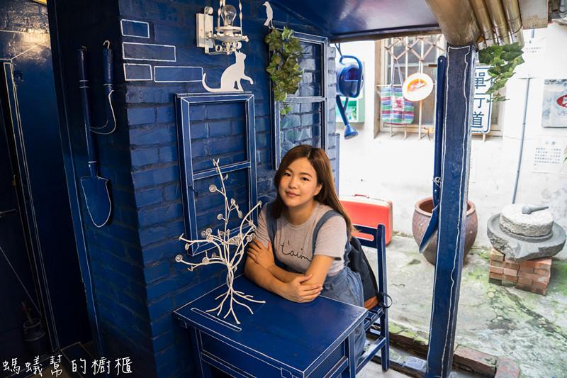 彰化和美景點伯公廟口麵線糊 隱藏版小藍晒圖,復古風格麵館,好拍又兼具復古童趣!