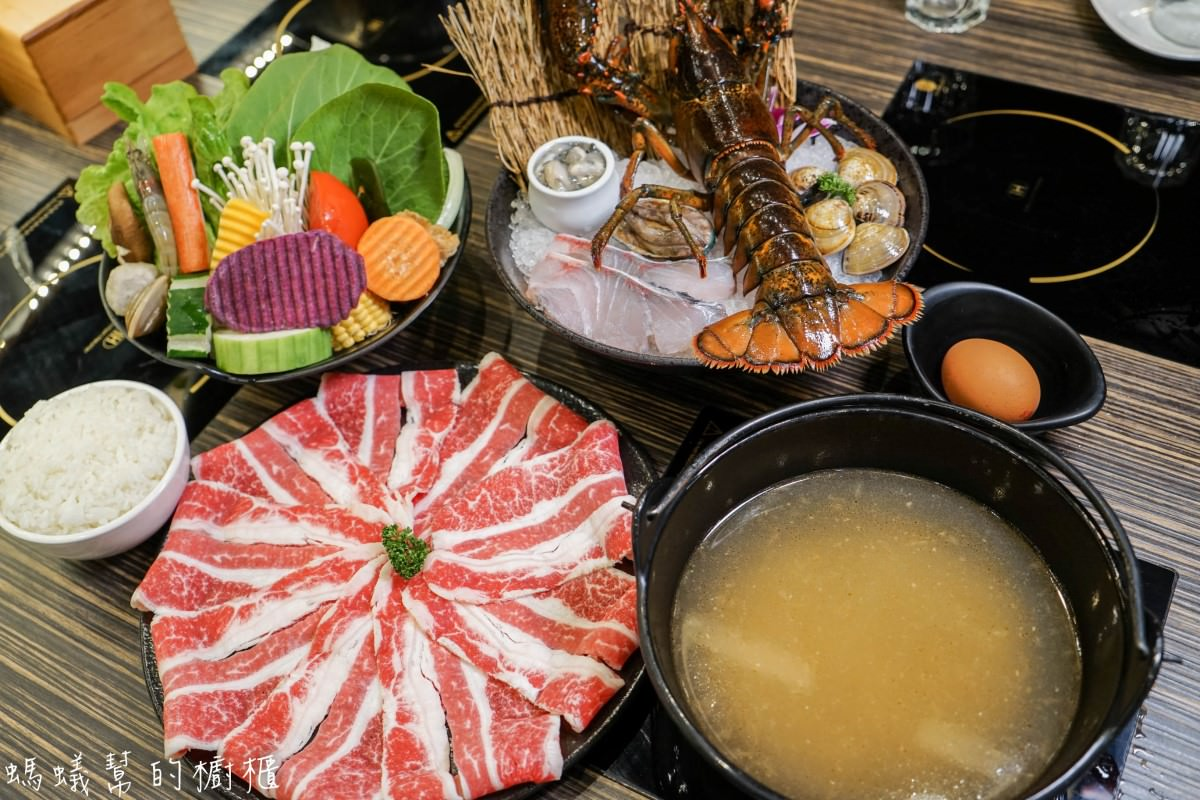 小胖鮮鍋(崇德店)|新風味經典石頭湯,現撈活體波士頓龍蝦、高質感肉品,最後再將香米飯煮成鮮美海鮮粥。(內附影片)