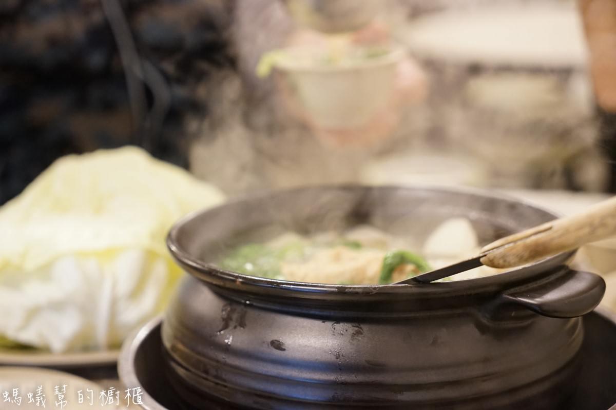 員林霸味薑母鴨|炭火加熱薑母鴨鍋物,平價便宜,加人三五好友一起聚餐,冬天進補暖身最適合~